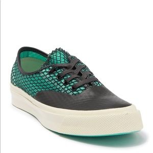 CONVERSE ALL STAR OX SNEAKER IN GREEN AND BLACK